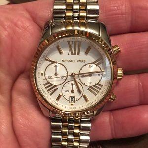 😍 MK Lexington Two-Tone Watch